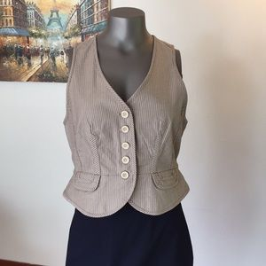 LOFT Button Down Vest
